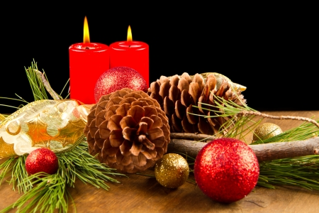 pine cone: christmas candle with pine cone