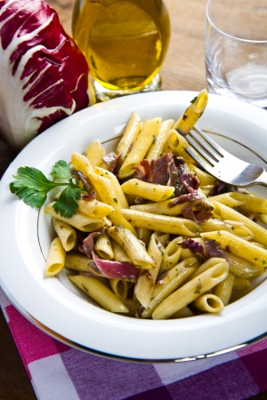 penne: pasta with chicory