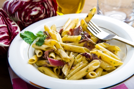chicory: pasta with chicory and bacon