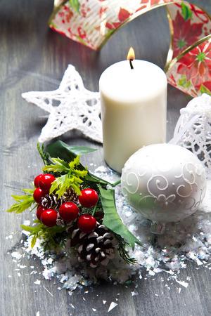 adornos navideños: decoraciones de Navidad blancas Foto de archivo