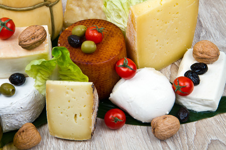 scamorza cheese: Various types of cheese