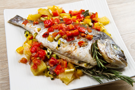 bream: baked fish with vegetables