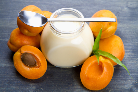 apricots: Fresh yogurt with apricots