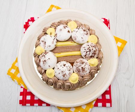 meringue: Meringue cake with cream