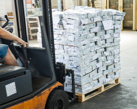 forklift driver: forklift driver to move the pallet cellophane