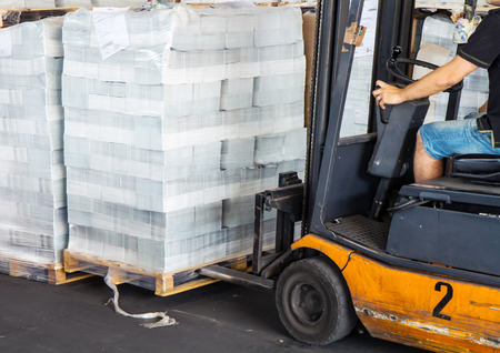 cellophane: forklift driver to move the pallet cellophane