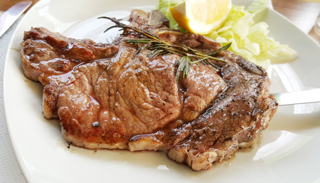 carne asada: filete de lomo a la plancha con limón