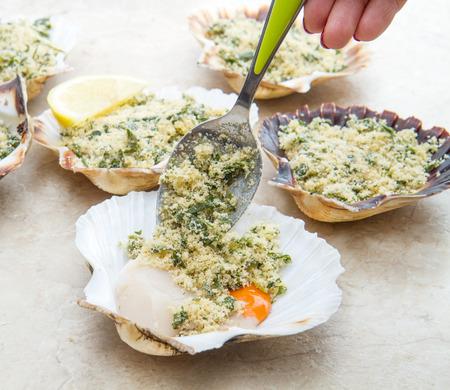 au: fresh scallops au gratin