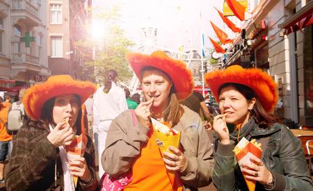 turist in Amsterdam celebrate Queen's Day