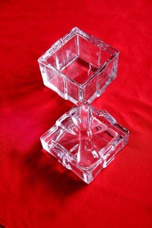 jewelry boxes: Glass box, transparent, circle, crown