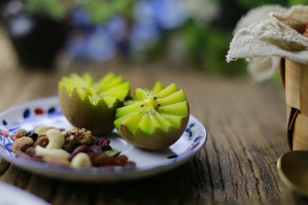 kiwi fruit with nuts