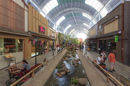 paseo: Nonthaburi, Thailand - August 29, 2015: Crowd of people shopping at the Paseo Park mall on August 29, 2015.  The Paseo park - Kanchanapisek branch is located on Kanchanapisek road Nonthaburi, Thailand. Editorial