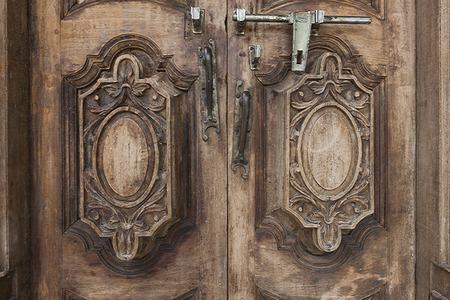 door bolt: Door Handle and bolt.