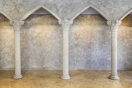 roma antigua: Clásico Antiguo Interior con columnas.