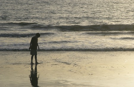 Boy lopen over Mexico Beach