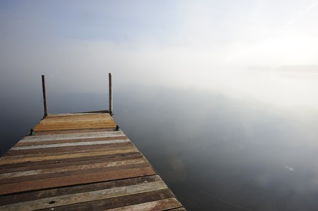 Otter Lake Manitoba, Canada met ochtend mist Stockfoto