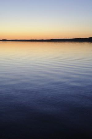 Zonsondergang over Otter Lake, Manitoba, Canada