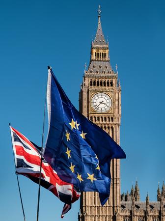 Flagge der Europäischen Union vor Big Ben, Brexit EU Standard-Bild