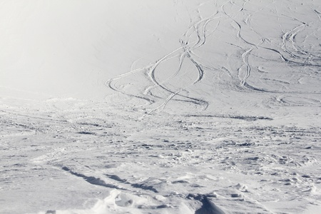 ski traces: Ski traces on snow in winter mountains