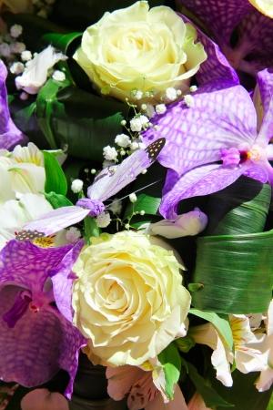 背景を別の花の束を閉じる