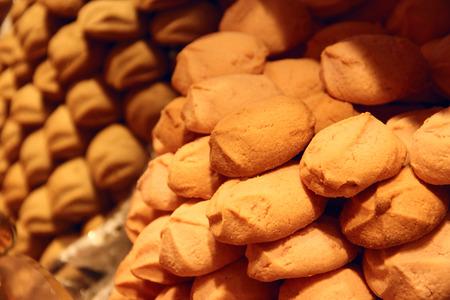 french pastry: Galletas frescas para la venta en franc�s pasteler�a