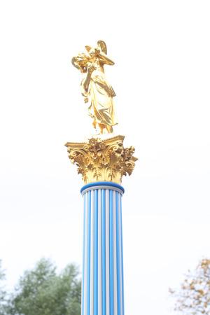 petrodvorets: Column and golden statue in Tsaritsyn Pavilion Peterhof, Russia