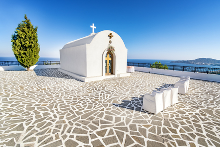 Wedding chapel with sea view on the hill near Faliraki (Rhodes, Greece) 版權商用圖片