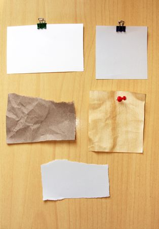 back straight: Blank note paper on wooden cardboard
