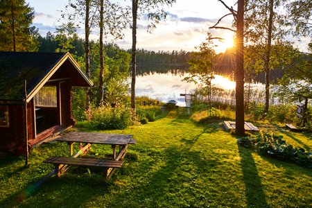 The lakes in Finland are a great place to spend the summer holidays with the whole family 免版税图像