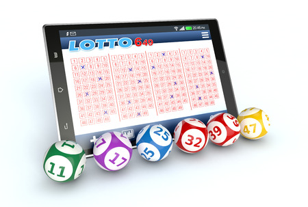 loteria: Tablet PC con una aplicación de lotería y algunas bolas de la lotería, el fondo blanco (3d)