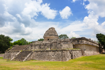 columbian: El Caracol The observatory Pre Columbian Mayan structure at Chichen Itza Mexico Stock Photo
