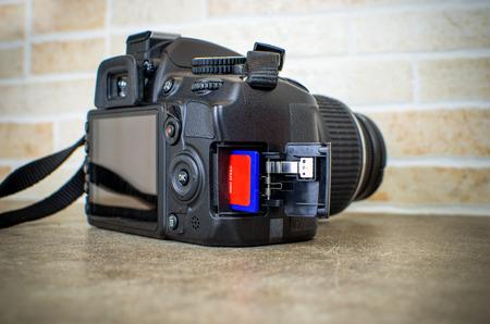 reflex: macchina fotografica reflex sd card
