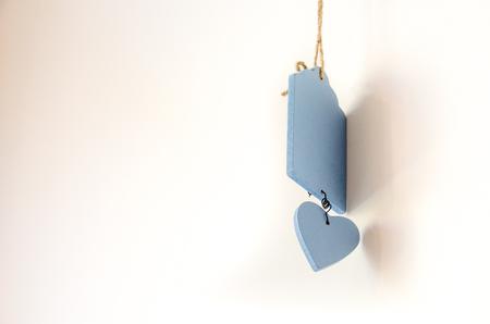 corazones azules: Valentine Celebration, blue wooden heart white background