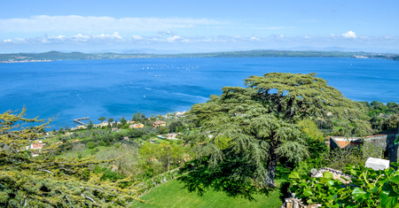ブラッチャーノ湖 - ローマ - ラツィオ - イタリア旅行 写真素材