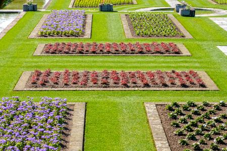 italian gardens ideas  flowerbeds above view