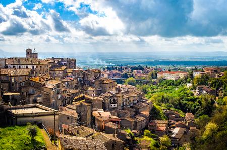 カプラローララティウム村のパノラマ - 風景ヴィテルボ州 - イタリア 写真素材