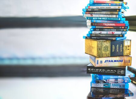 Passion for cinema, a stack of movie collection in blue ray disc format in Hollywood 新聞圖片