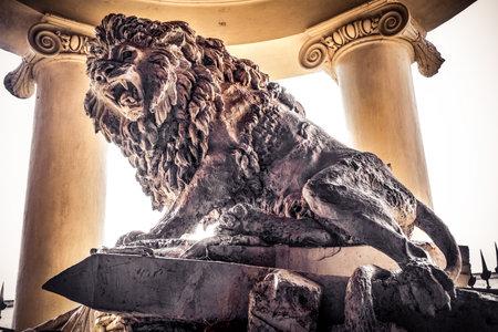 gladiators den lion statue background