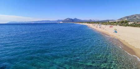 ultra wide panorama of the beach and the Gulf of Orosei in Sardinia 免版税图像