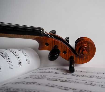 violin on a sheet music Stock Photo