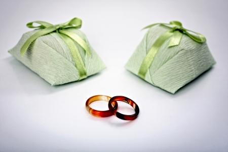 betroth: Wedding sweet treat and rings - Bem casado