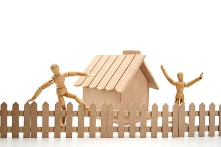betray: Un ladr�n tonto saltar la valla.