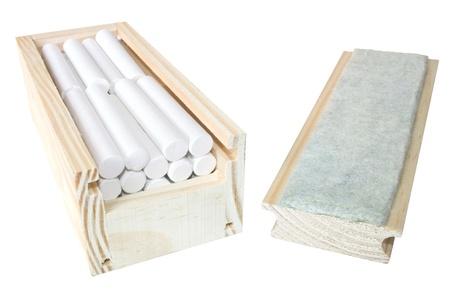 white chalks: Foto de la Junta de goma caso con tizas blancas Foto de archivo