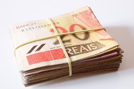 rubberband: Photo of Brazilian money - 20 Reais.