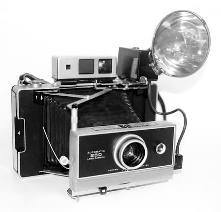 viewfinder vintage: Black and white retro camera