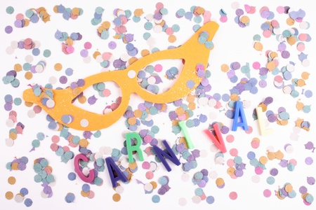 favours: Photo of Carnival mask and confetti