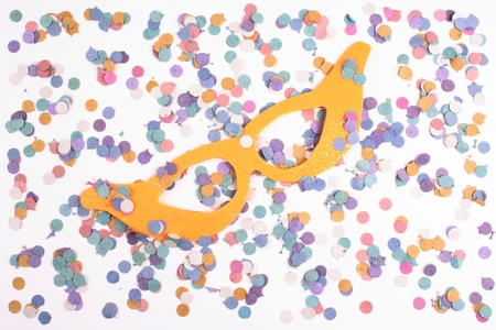 favours: Photo of Mask and confetti