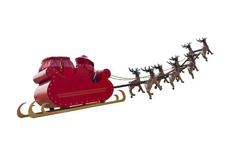 renna: Babbo Natale in sella a una slitta in una luce giorno guidata da renne isolato su sfondo bianco