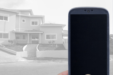 system: Smatrphone y la casa. Idea para aplicaciones inmobiliarios sistema de monitoreo de sistema de seguridad inteligente contratista las mejoras de arquitectura de las casas y otros.