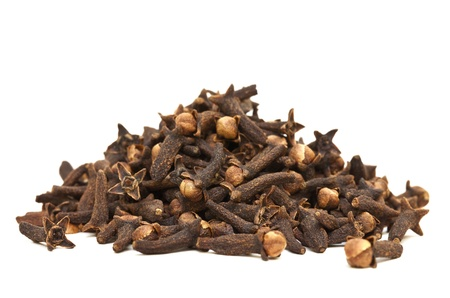 clove: Image of a Pile of Cloves